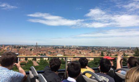 La classe Quarta a  Bologna per osservare e scoprire, carichi  di simpatia per ciò che li circonda.