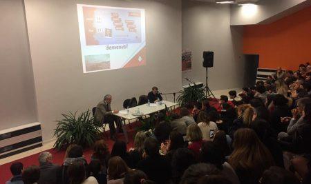 """""""CHI EDUCA CRESCE"""" di Giacomo Poretti"""