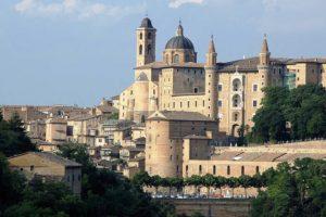 URBINOPalazzo-Ducale-di-Urbino-800×445